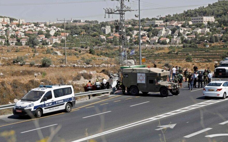 Vakarų Krante automobilis rėžėsi į du izraeliečius