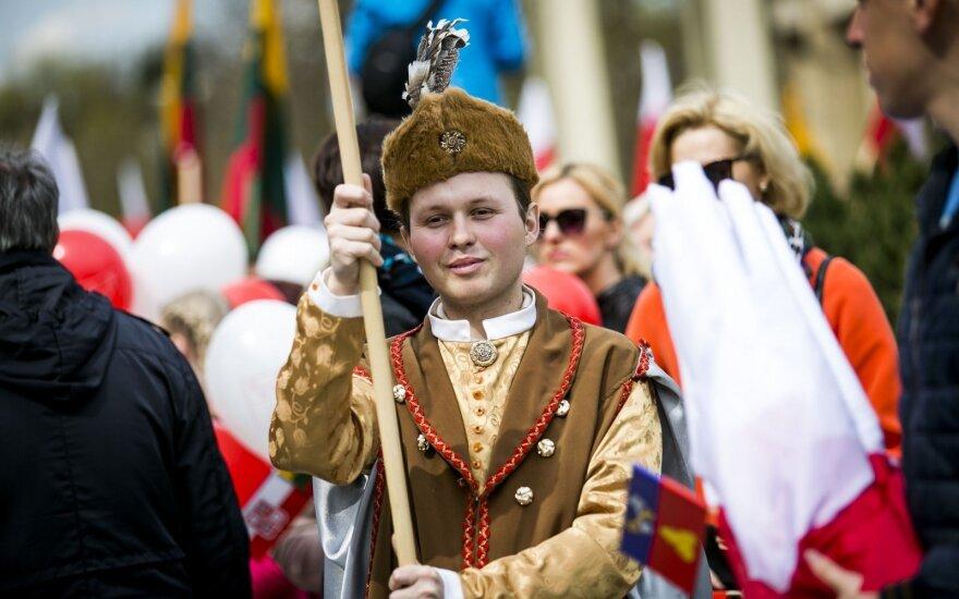 Parade in Vilnius celebrates Polish Diaspora Day