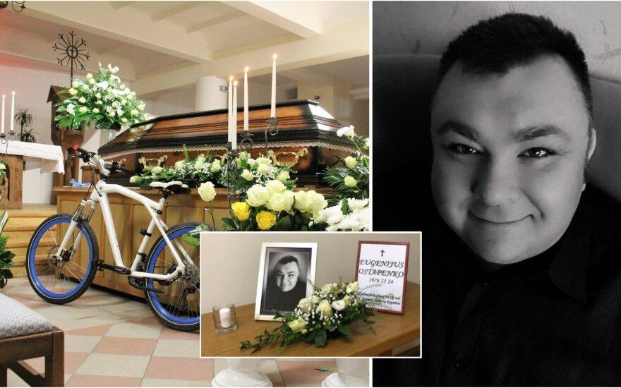 Atsisveikinimas su Eugenijumi Ostapenko / Foto: Delfi, asm.archyvas