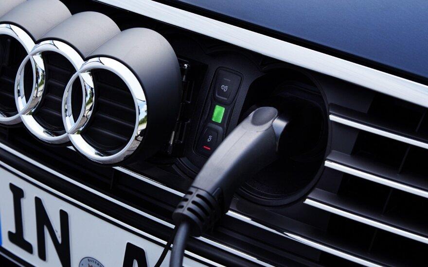 """Nuo 2018-ų metų """"Audi"""" kasmet išleis po elektromobilį"""