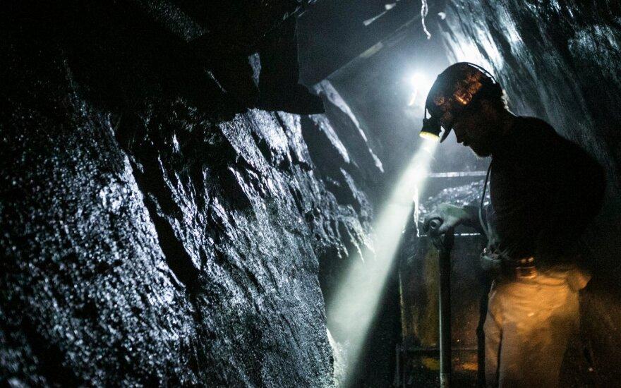 Rytų Vokietijoje į anglies kasyklas įsiveržė šimtai aktyvistų