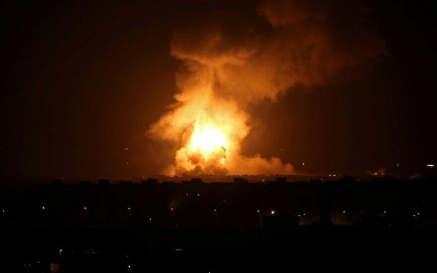 """Izraelis po naujų raketų iš Gazos Ruožo smogė """"Hamas"""""""