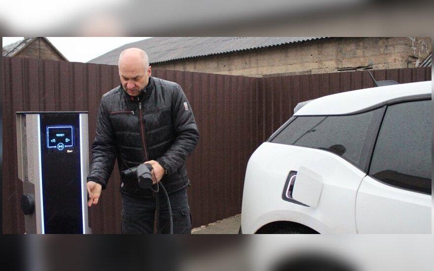 Rokiškyje atsiradusi elektromobilių įkrovimo stotelė – pilietiško verslininko iniciatyva