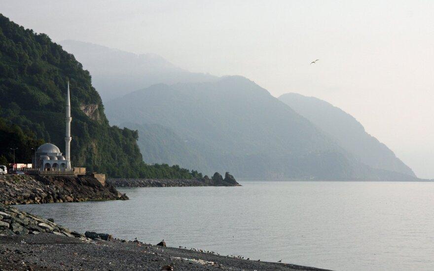 Paplūdimys prie Gruzijos ir Turkijos sienos