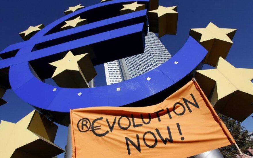 Birželį padidėjo euro zonos verslo augimas, bet jis vis tiek išliko silpnas