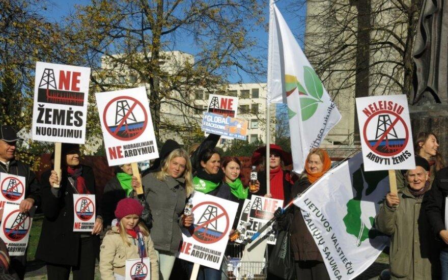 Protestas prieš hidraulinio ardymo technologiją/ Rūtos Levickaitės nuotr.