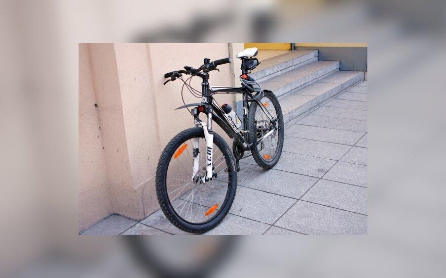 Nuo gegužės Verkių gatvėje – laikinasis dviračių takas