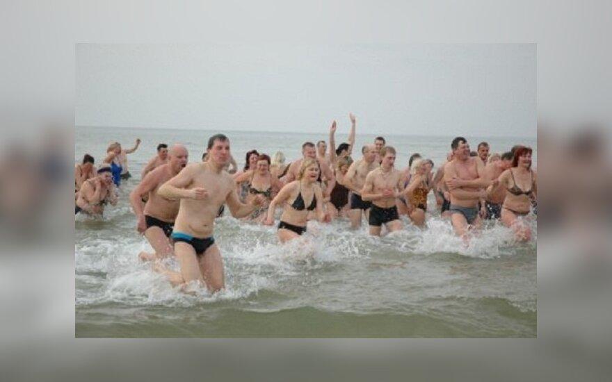 """Vasarį rengiamoje šventėje kasmet dalyvauja apie 300 """"ruonių"""", smalsuolių susirenka gerokai daugiau"""