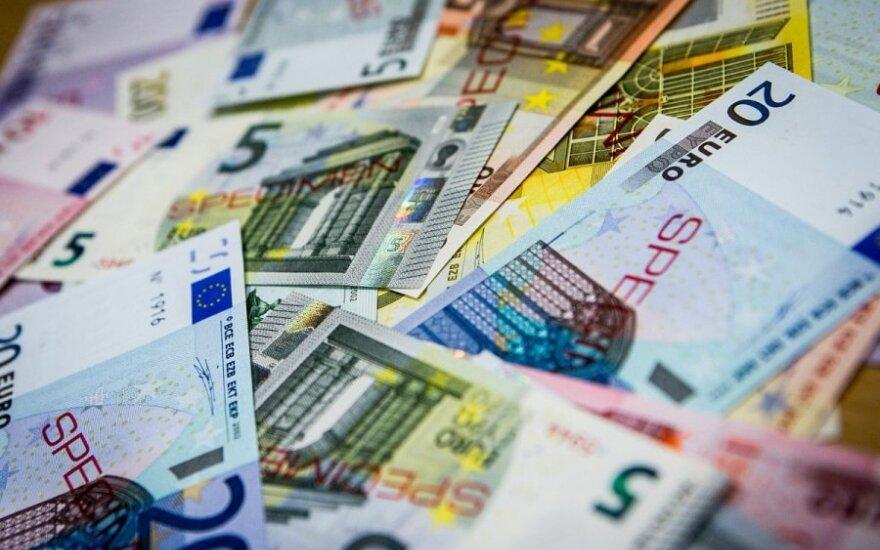 Ekspertas: euro vertė pasieks 1,5 JAV dolerio