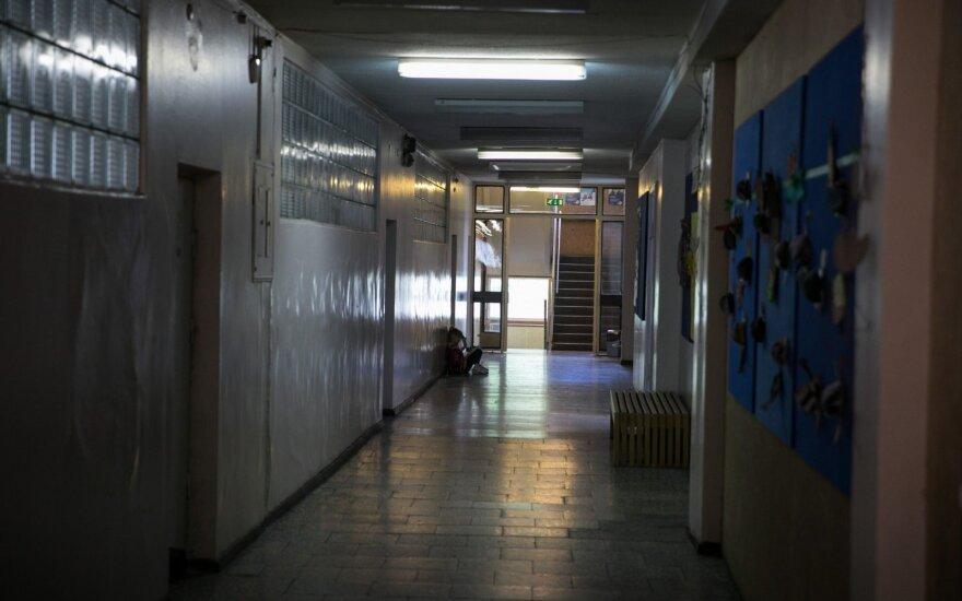 Mokykloje dukrą rado paplūdusią krauju ir be danties: visi kartoja, kad aplinkybės tiriamos