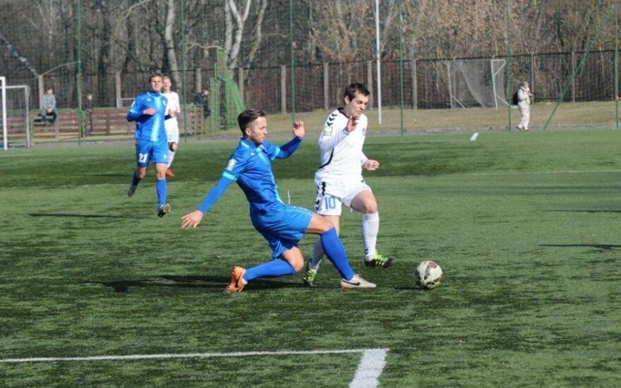 """""""Kruojos"""" futbolininkai uteniškius paliko be taškų (Vytauto Gimžausko nuotr.)"""