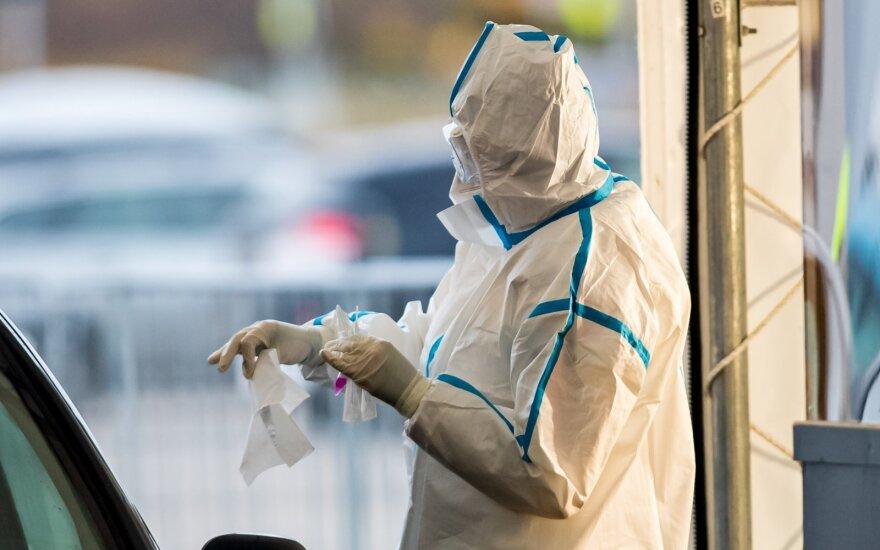 Vilnietė priblokšta: diagnozavus koronavirusą, trijų gydytojų trys skirtingi verdiktai dėl izoliacijos – kuo tikėti?