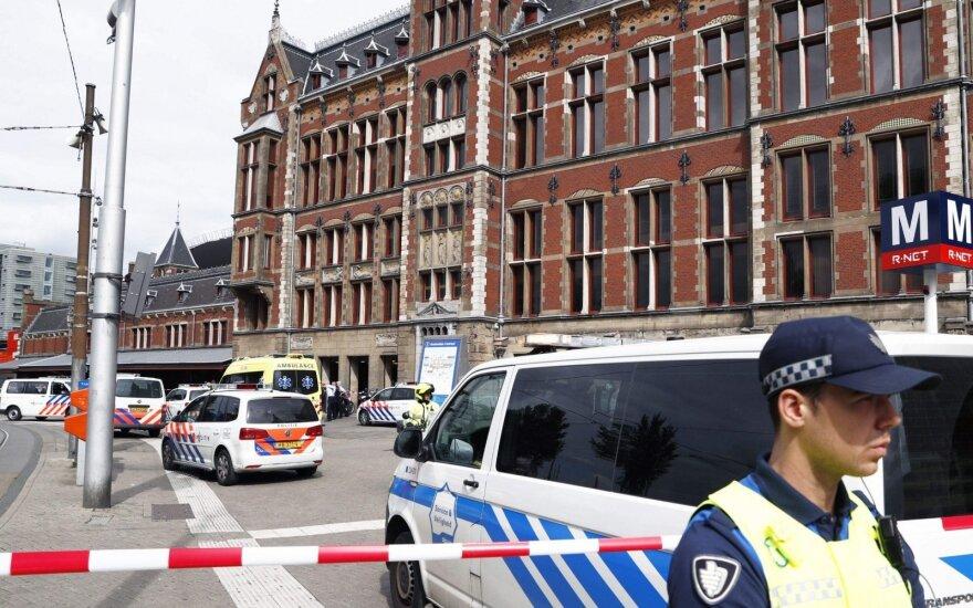 Per išpuolį Amsterdamo traukinių stotyje sužeisti asmenys yra amerikiečiai
