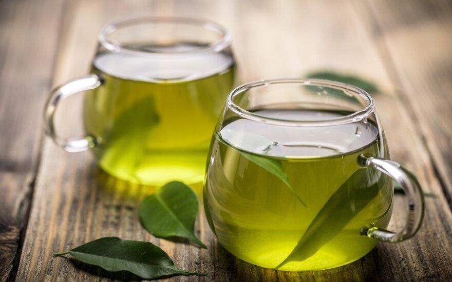 Ar žalioji arbata tikrai degina riebalus?