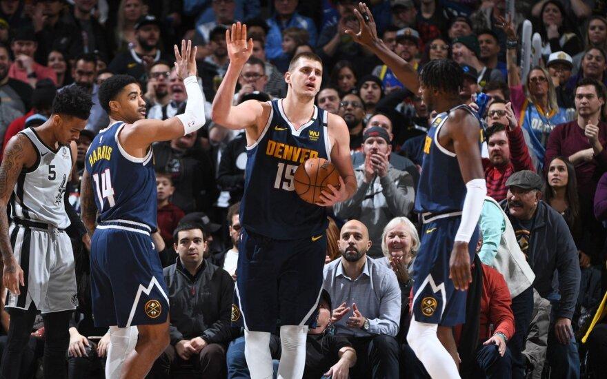 """NBA čempionate – kosminis """"Nuggets"""" sugrįžimas: vos per kelias minutes panaikino 23 taškų deficitą"""