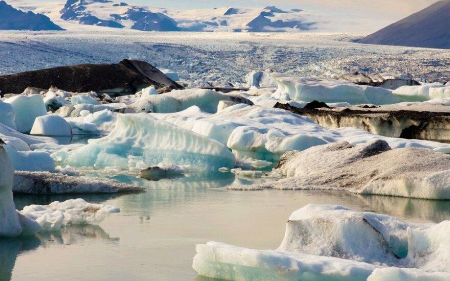 Mėlyno ledo urvas Islandijoje