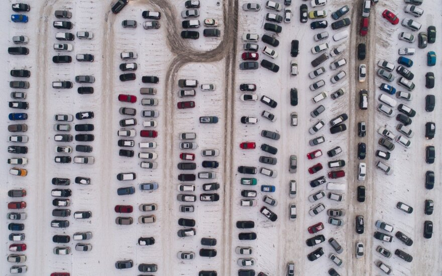 Kad žiema neužkluptų netikėtai: specialistai vairuotojams siūlo nedviprasmišką patarimą