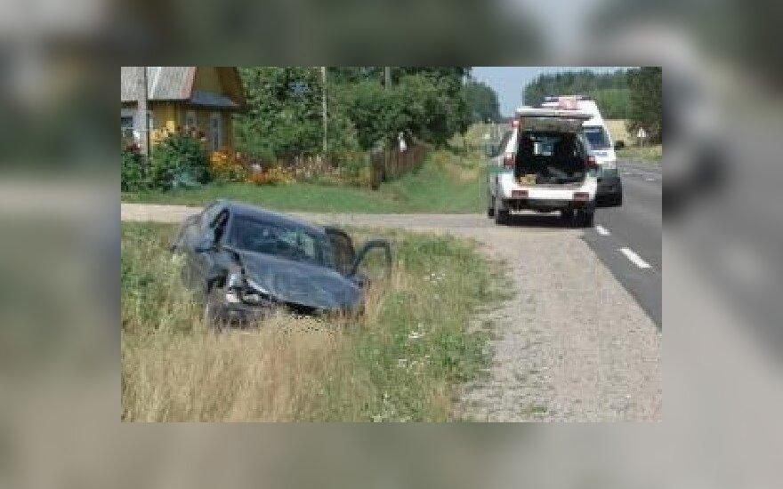 Girtas vairuotojas išvežtas į ligoninę dėl galvos traumos