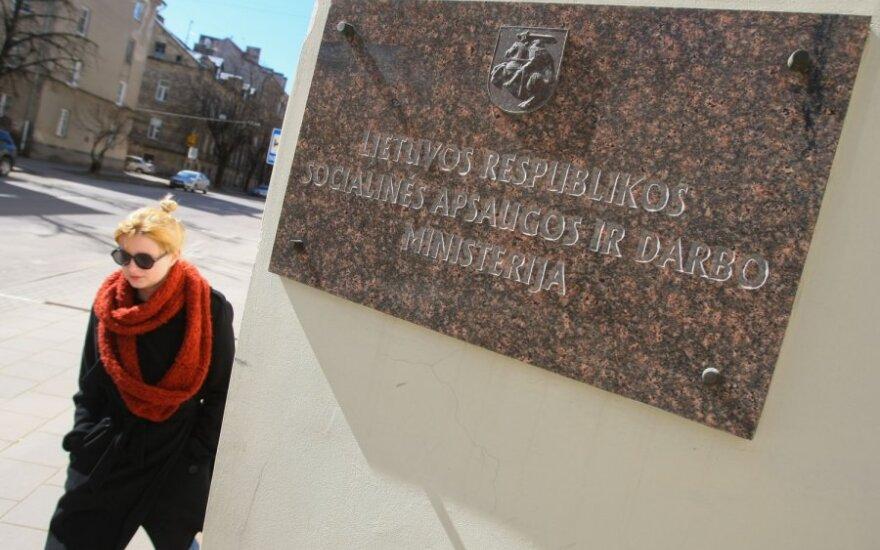 Patvirtintas antras socialinės apsaugos ir darbo viceministras