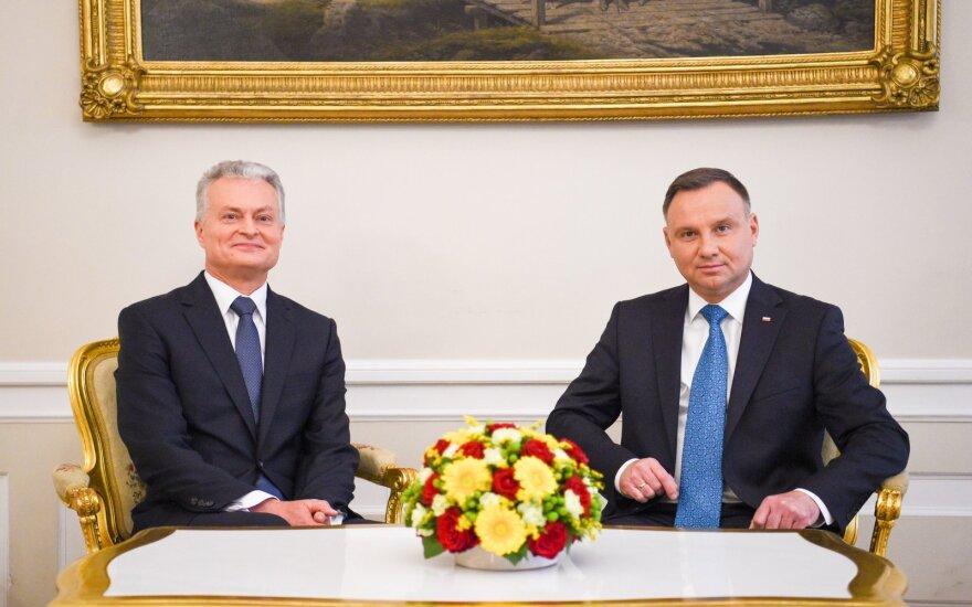 Nausėda pakvietė Lenkijos prezidentą atvykti į sukilėlių perlaidojimą