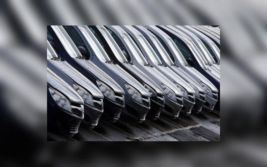 Lietuvos naujų automobilių rinka smunka vis labiau - vasarį parduoti 664 automobiliai