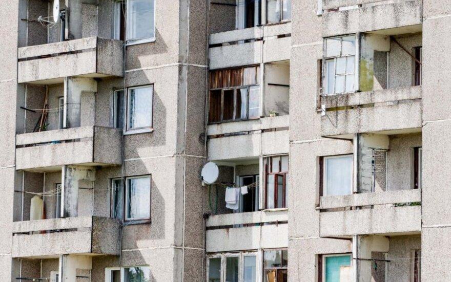 Įvertintas pasiūlymas kai kuriems gyventojams lengviau išpirkti būstą