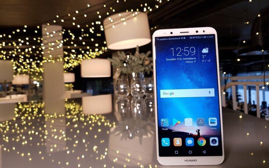 """Paskelbtas geriausias telefonas su """"Android"""" operacine sistema"""
