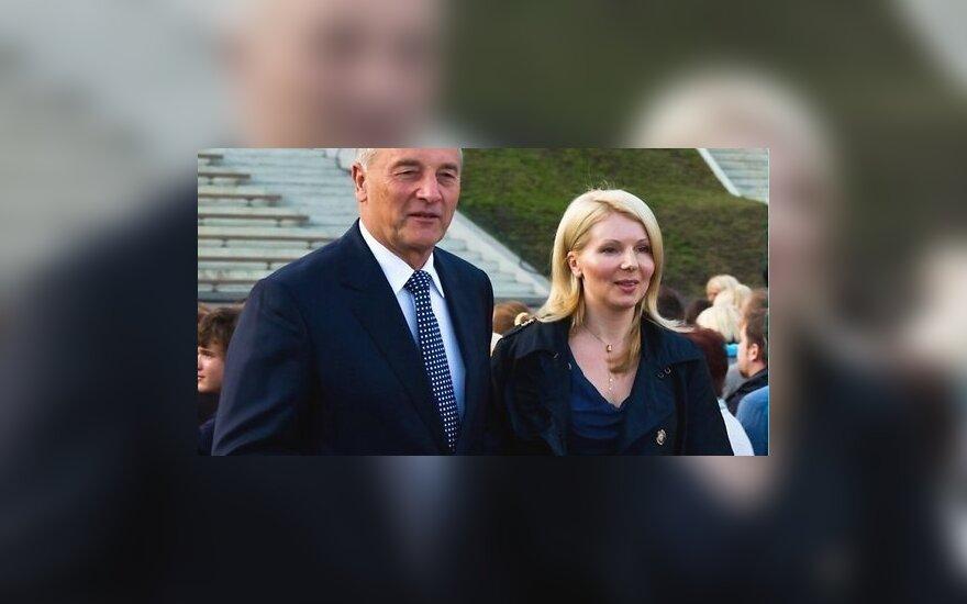 Andris Bėrzinis su žmona Dace Seisuma