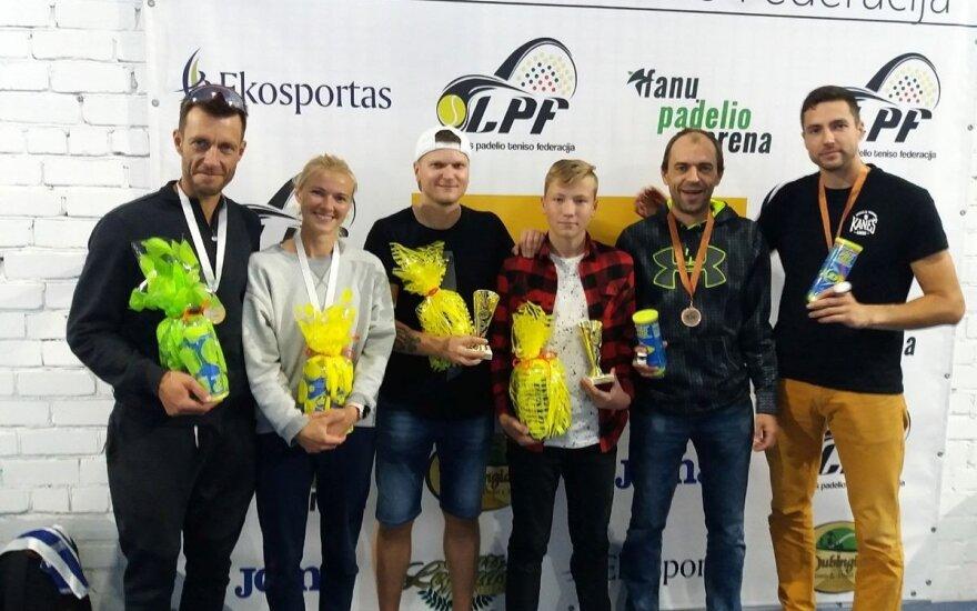 Padelio teniso mėgėjai (Z. Grigonienės nuotr.)