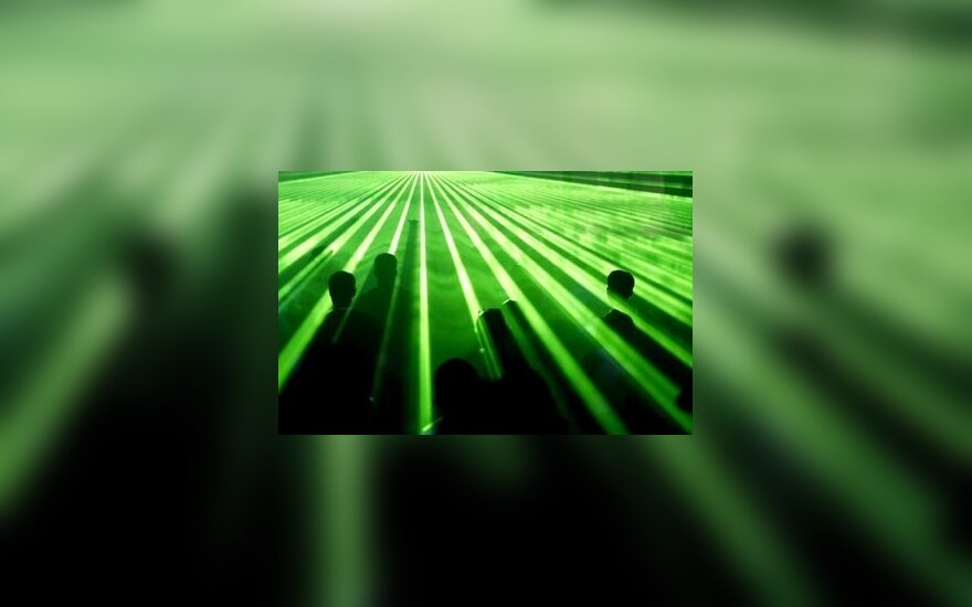 """Woo"" <em>disco</em> ir <em>techno</em> skambės lazerių šviesoje"
