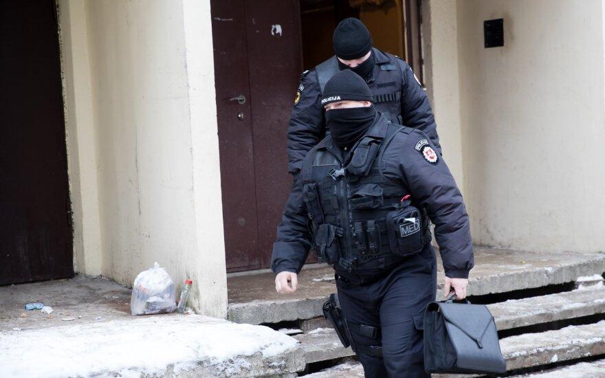 Vilniuje ant pastato sienos išpurkšta svastika, rastas sprogmuo