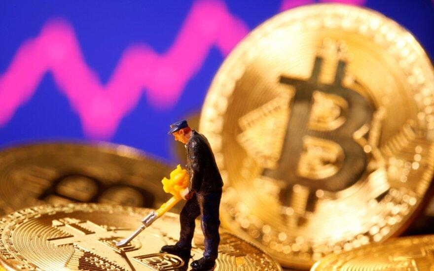 Uždirbusiems iš kriptovaliutų gresia mokesčiai: kiek ir kada reikia susimokėti