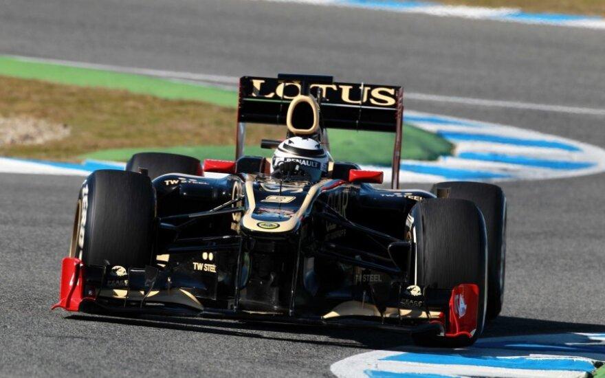 """Kimi Raikkonenas su """"Lotus Renault E20"""" automobiliu"""