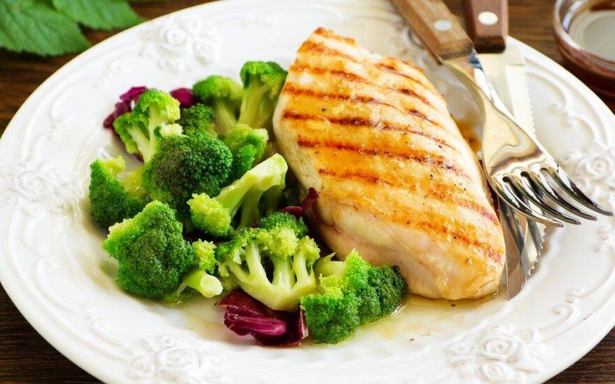 Gydytoja dietologė pataria, kaip sutramdyti alkio priepuolius