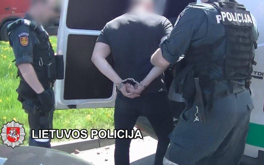 """Likviduota narkotikų kontrabandininkų grupuotė, ketinusi sušaudyti """"kolegą"""" iš Šiaulių"""