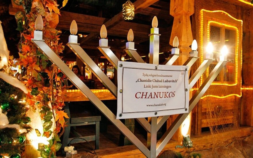 Hanukkah in Kaunas with Chassidic pop and traditional latkes
