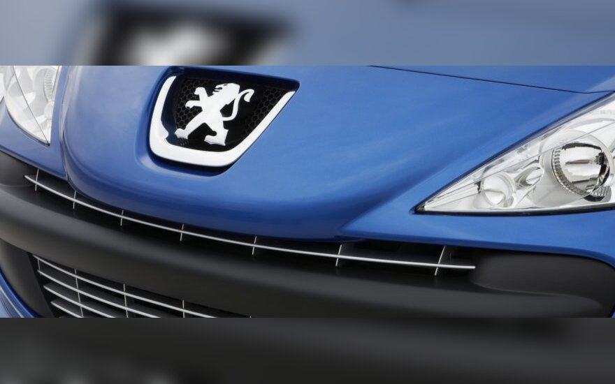 """Žadamas pigesnis """"Peugeot"""" automobilių remontas"""
