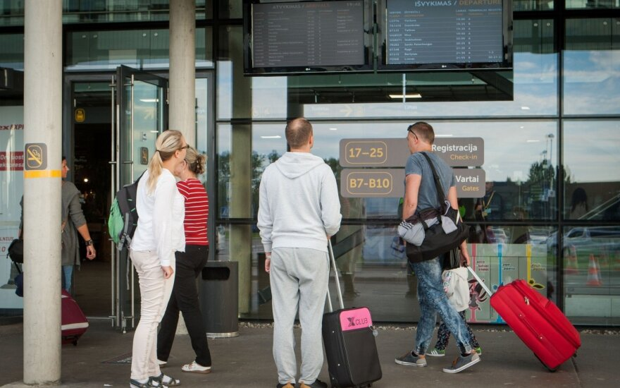 Lithuania's emigration, immigration sets new records - official statistics