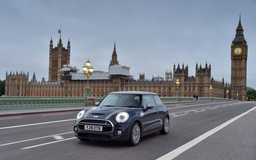 M. Hawesas: JK automobilių pramonei gali iškilti grėsmė