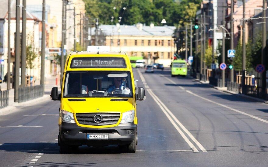 """Kauno savivaldybė su """"Kautra"""" derasi dėl dviejų nuostolingų maršrutinio taksi maršrutų"""