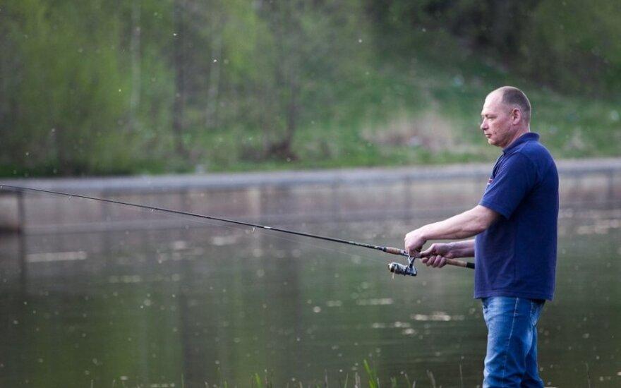 Antrai pusei tai nepatiks: žvejai papasakojo, kiek išleidžia žūklės reikmenims