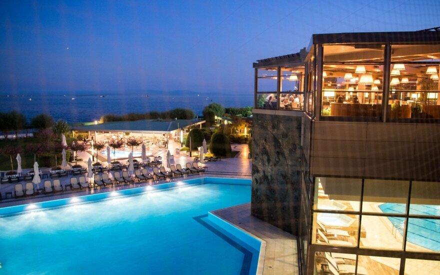 """Turkijos smulkieji verslininkai reikalauja viešbučių atsisakyti """"viskas įskaičiuota"""""""