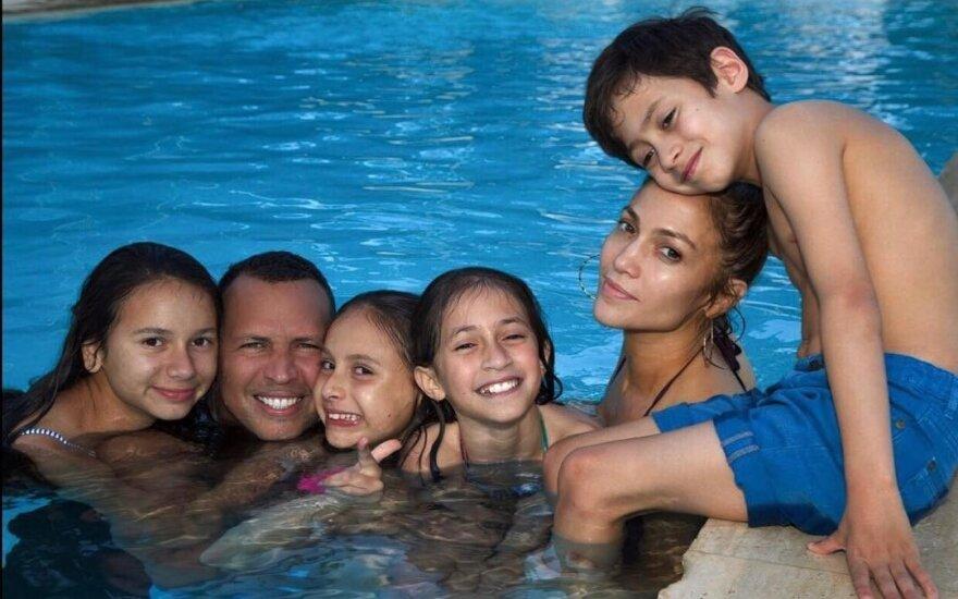 Jennifer Lopez ir Alexas Rodriguezas su vaikais