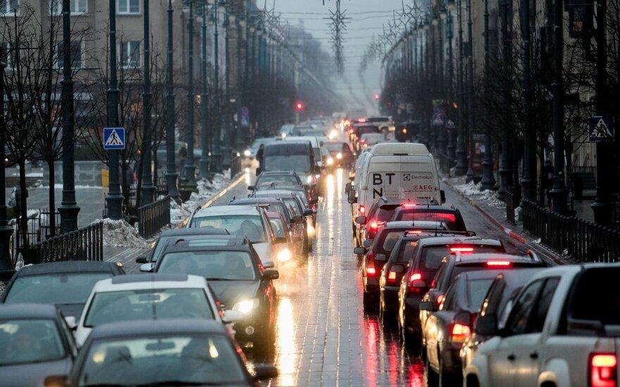 Vilnietis įvardino 4 eismo problemas, kasdien gadinančias nuotaiką sostinės vairuotojams