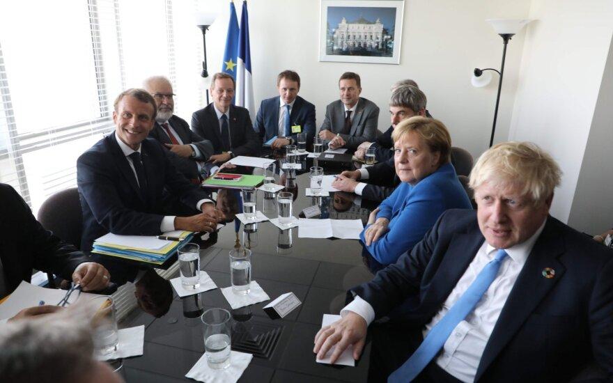 Emmanuelis Macronas, Angela Merkel, Borisas Johnsonas