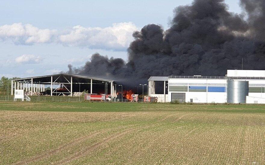 Didžiulis gaisras Marijampolės sąvartyne: degė plastmasinės atliekos