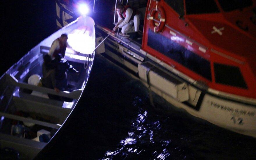 Lemtingas atsitiktinumas: išgelbėti tris savaites jūroje įstrigę žvejai