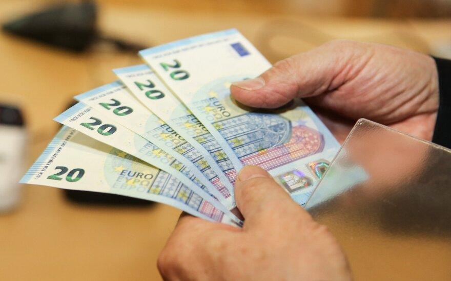 Banko klientui trūko kantrybė: kaip dirbančiam asmeniui išspręsti savo bankinius reikalus?