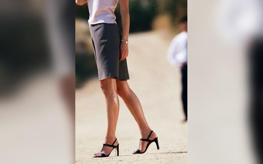Moteris, kojos, aukštakulniai batai