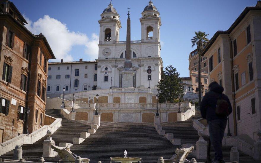 Mirčių kaustomos Italijos ministras: esame pandemijos viduryje